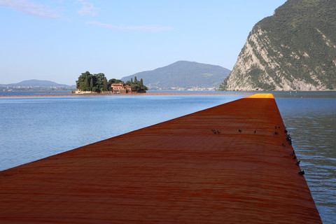 ITALIA: Muelles Flotantes