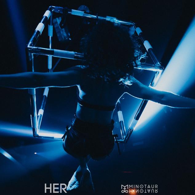HER_VONDA7_steam_athens