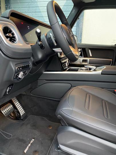 Mercedes Classe G sièges avants.JPG