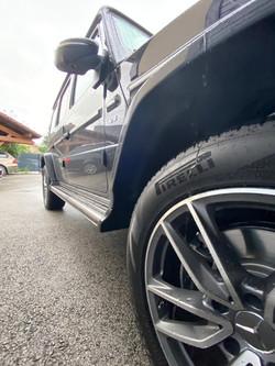Mercedes Classe G jante avant droit vue de bas