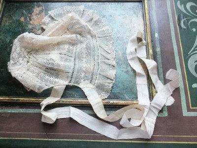A pretty, Romantic era lace cap Original ribbons