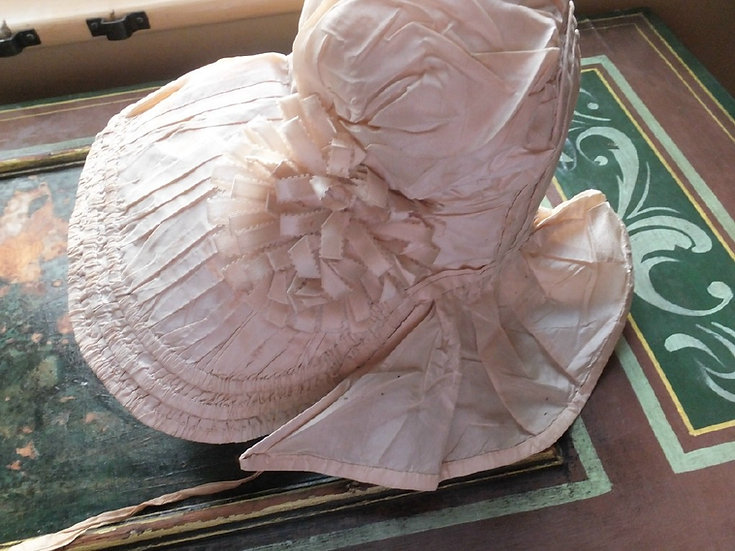 So special, silk bonnet for a little girl. C1820-30