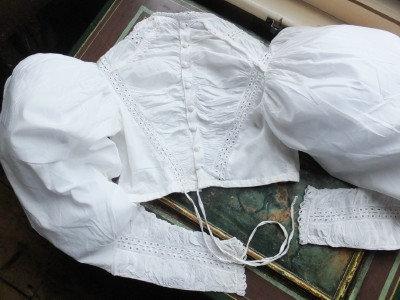 Gigot sleeved, 1825-30 late Regency bodice