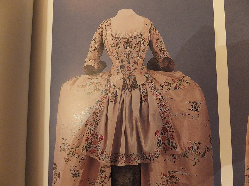 Baumgarten Page 57 - silk embroidered apron with full costume, apron 1730-40