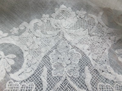 Fine 18th Century Half Kerchief of Dresden shadow work