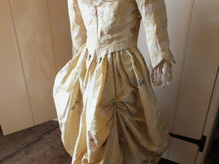 An altered 18th Century dress: Let's explore!
