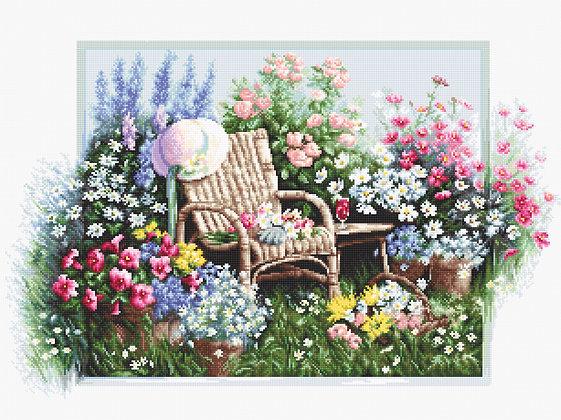 B2344 blooming garden