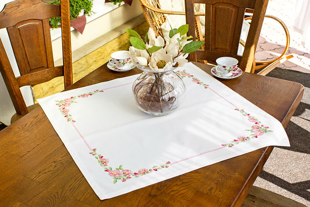 FM 005 Tablecloth - Rosehip