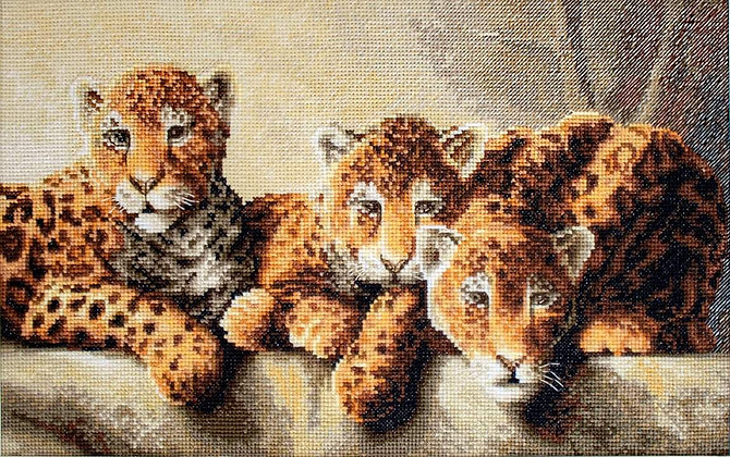 LETI910 Leopards - Cross Stitch Kit