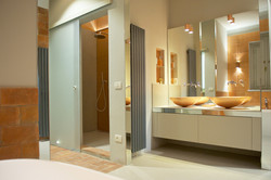 Double shower and basins