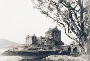 Eilean Donan castle, Scottish coach tour