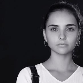 Katrin Vankova en LA FOSSA, serie dirigida por Agustí Vila.