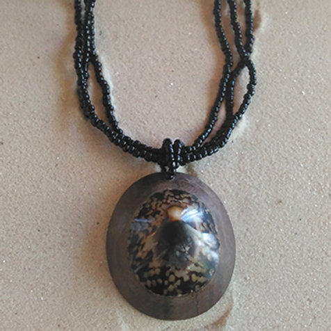 Shell wood drop beady necklace