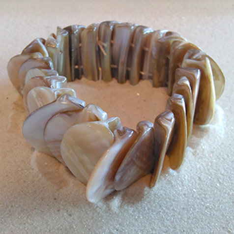 Natural halfmoon shell stretchy bracelet