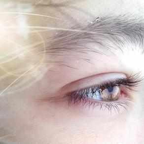 『目を見て話す』