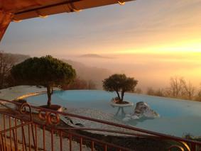 Belvedere au lever du soleil.jpg
