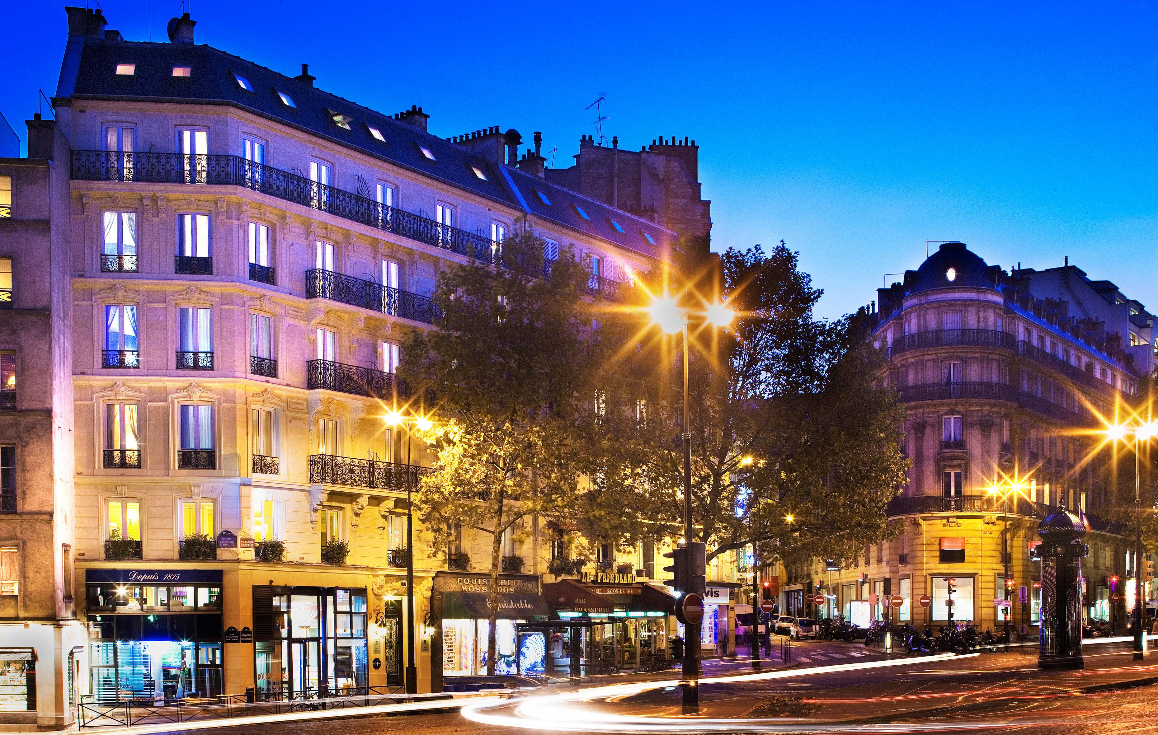 Hôtel Plaza Elysées ****