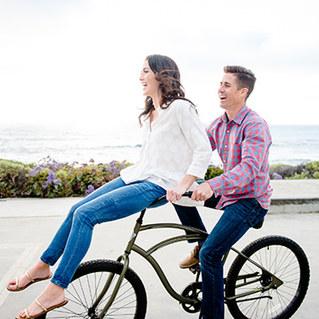 Karisa & Ryan // Beach Cruiser Engagement Session