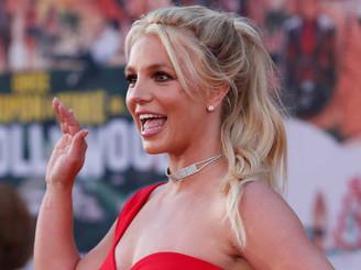 """Britney Spears manda recado aos fãs: """"Estou extremamente feliz"""""""
