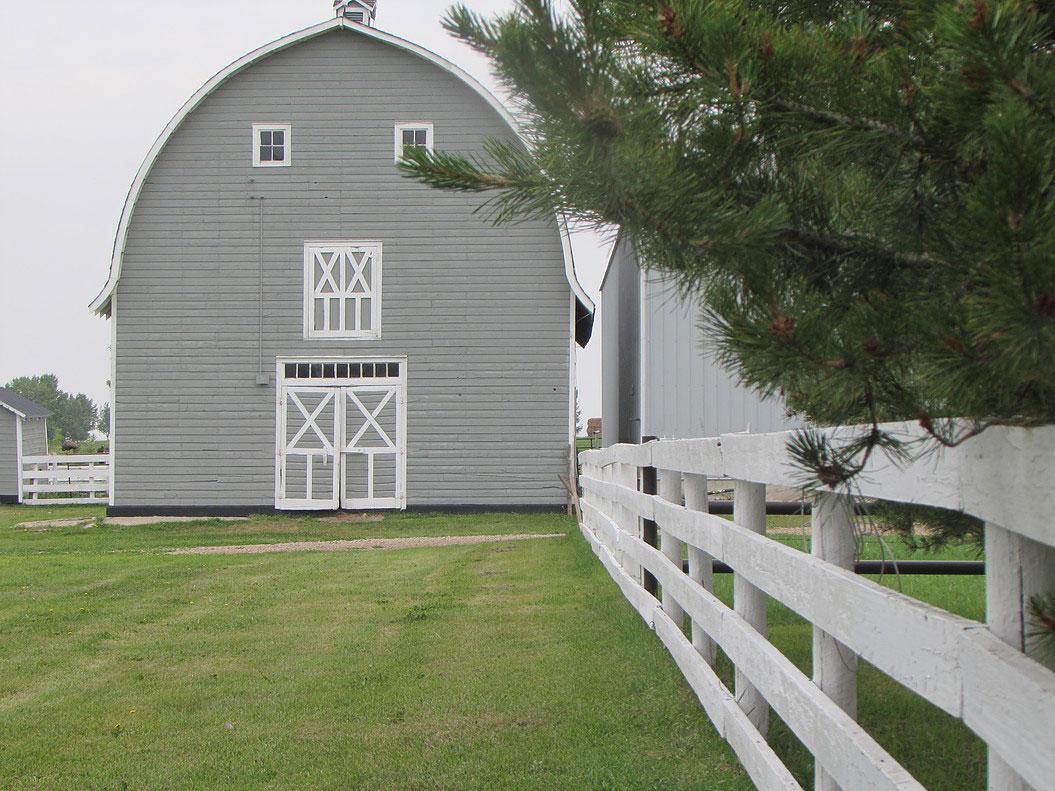 barn-background