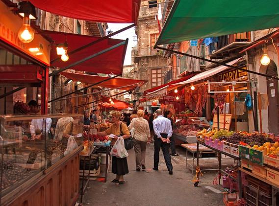 Mercato di Ballarò, Palermo: fonte Cefalùweb.com