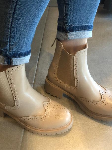 Boots Shauni