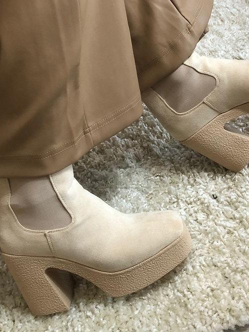 Boots Tanja