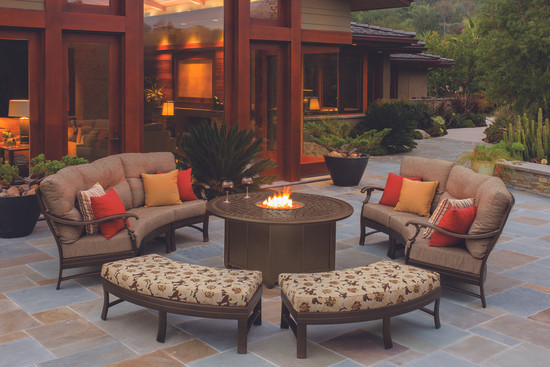 Ravello Fireside Chat Outdoor Seating