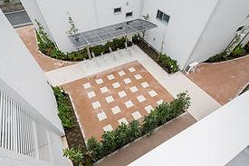 集合住宅の中庭