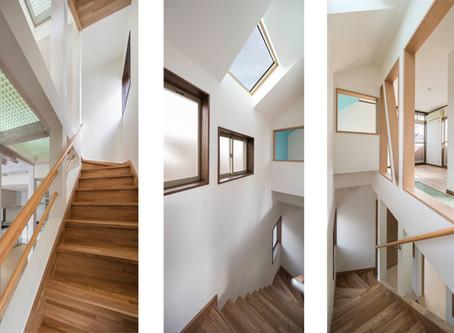 トップライト(天窓から)からの光を、やわらかい光にする:光と風のリノベーション住宅