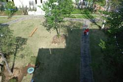 老人ホームの芝生広場