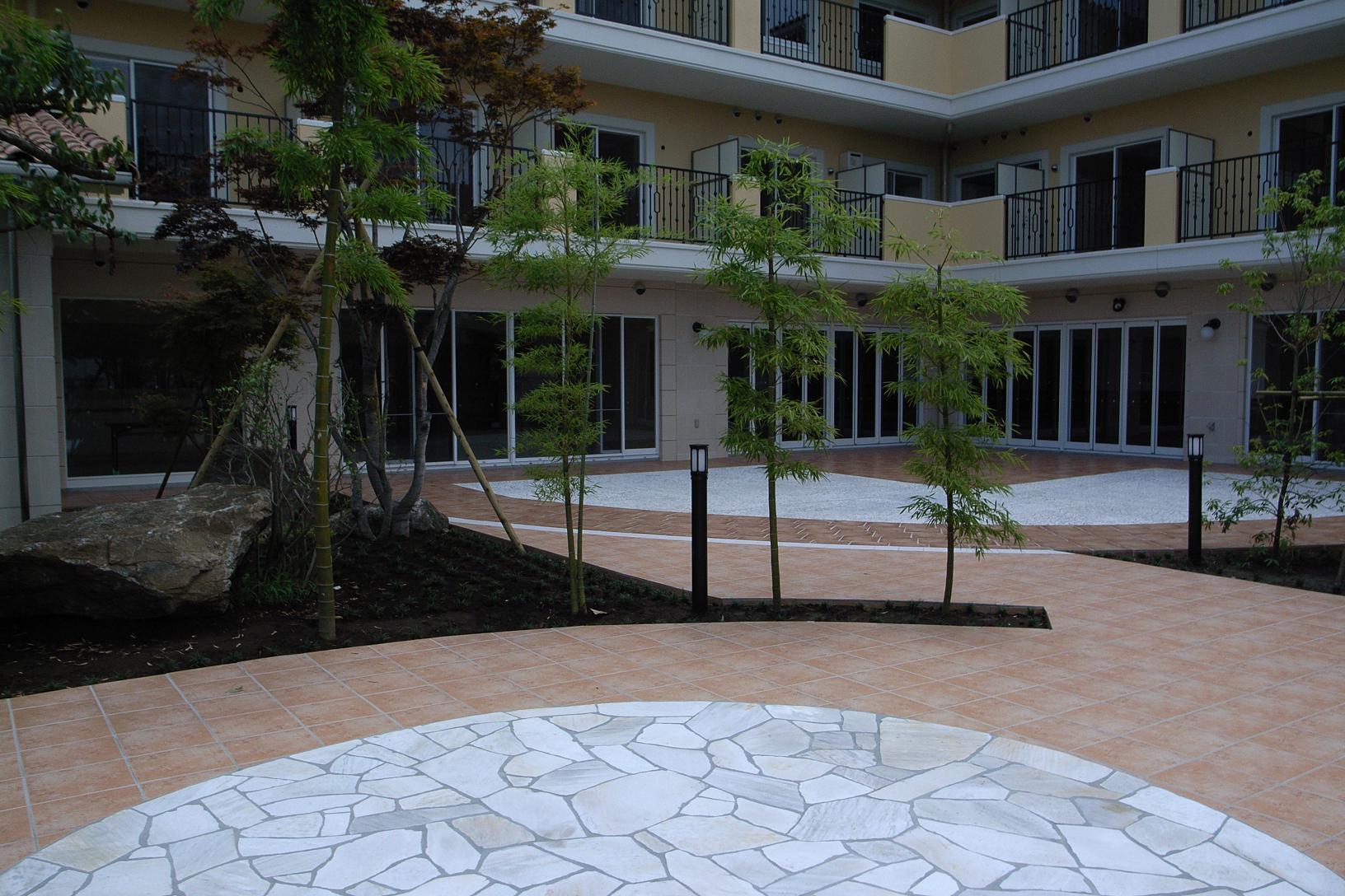 松戸老人ホームの中庭