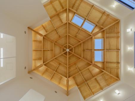 「かんたき」は幾何学的な天井の形!