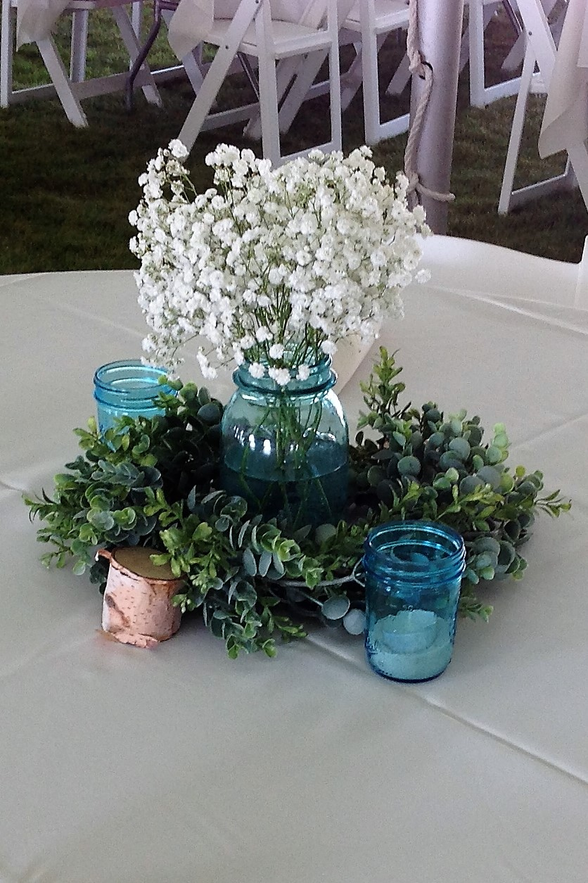 Mason Jars, euc/boxwood garland