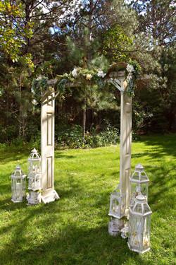 Door Ladder Arch/Jeweled Lanterns