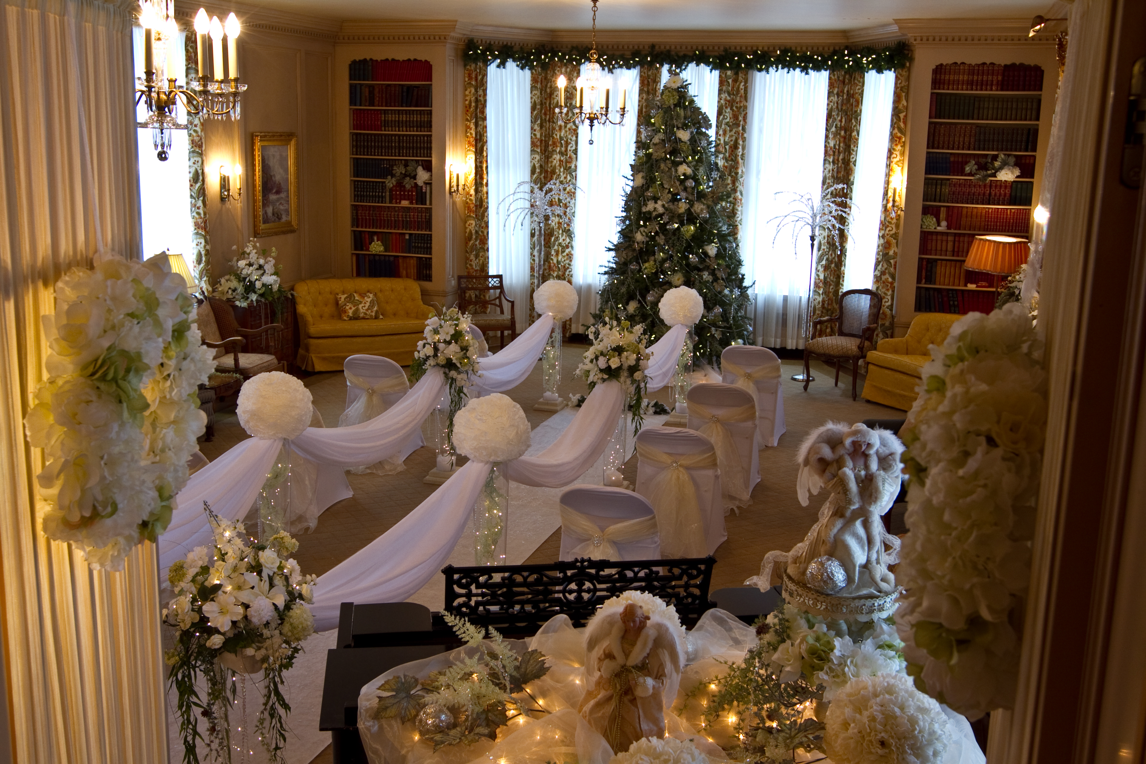Xmas Wedding at the Mansion
