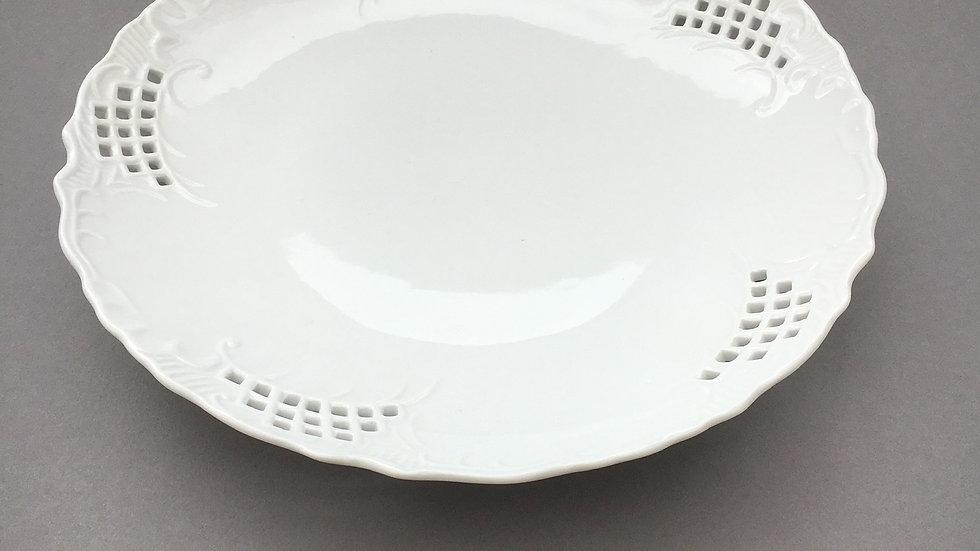Plat ajouré - porcelaine blanche
