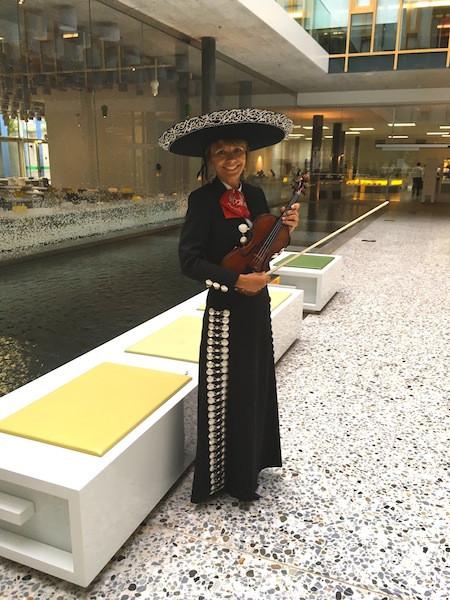 Christine mexicain.JPG