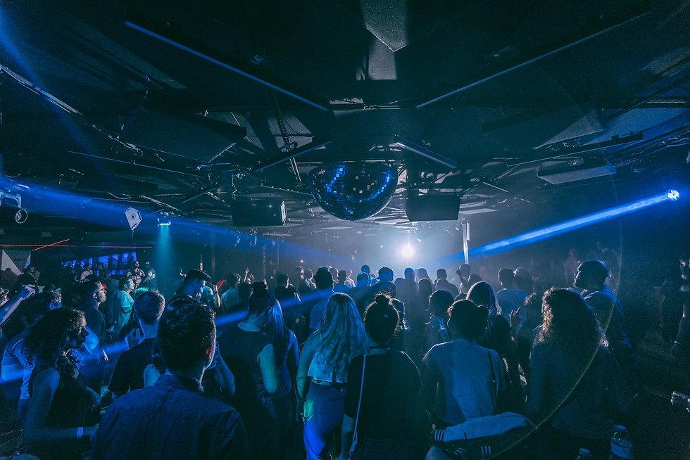 nightclub-crowd.jpg