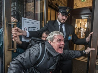 Harrods security guards vote on strike action