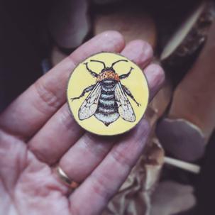 Cuckoo bee brooch