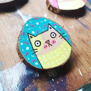 Party cat birthday brooch