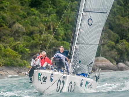 Classe C30 terá nova tripulação em barco de Ilhabela