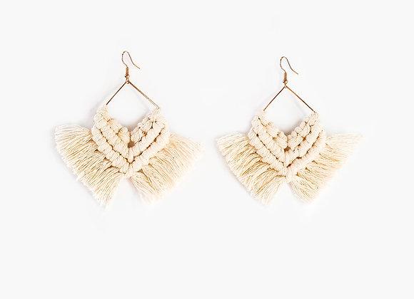 """""""Flecha"""" Handmade Macrame Earrings"""