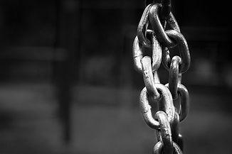 chain-1742948__340.jpg