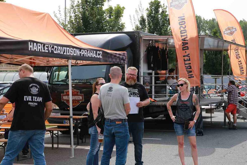 tucar-harley-demo-truck-globus-praha-202