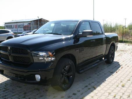 Podzimní akce: Nový Dodge RAM za 999 000 Kč bez DPH.