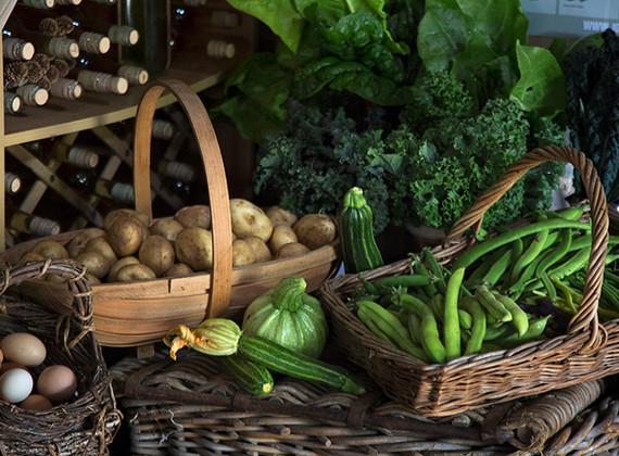 WEB_FRIENDLY_Fisherton_Farm_Vintage_Vardos_D46A4634_Andrew_Ogilvy_Photography.jpg