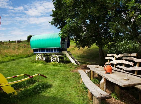 WEB_FRIENDLY_Fisherton_Farm_Vintage_Vardos_D46A9390_Andrew_Ogilvy_Photography.jpg