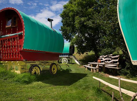 WEB_FRIENDLY_Fisherton_Farm_Vintage_Vardos_D46A9418_Andrew_Ogilvy_Photography.jpg